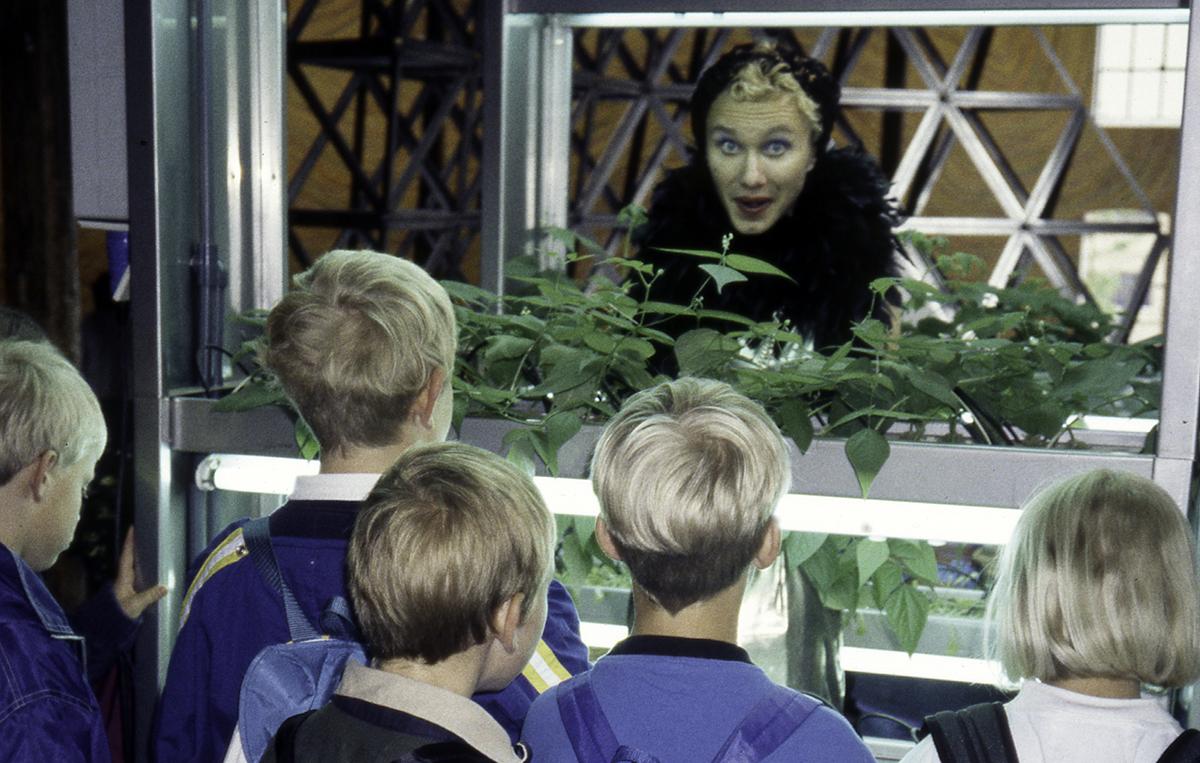 ARTig '98 Er Et Kunstpedagogisk Opplæringsprosjekt For Barn Og Unge